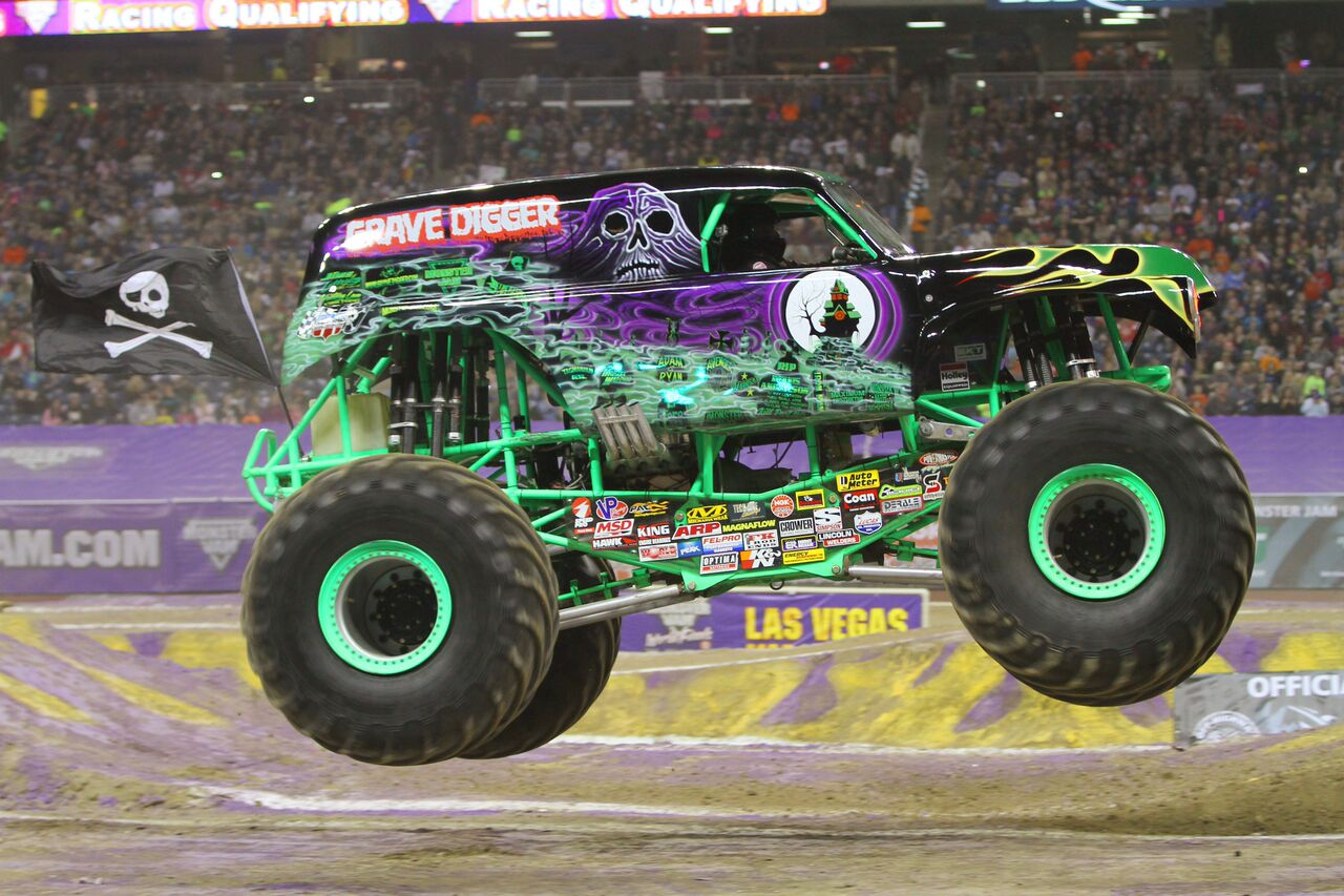 Grave Digger Monster Truck | www.imgkid.com - The Image ...